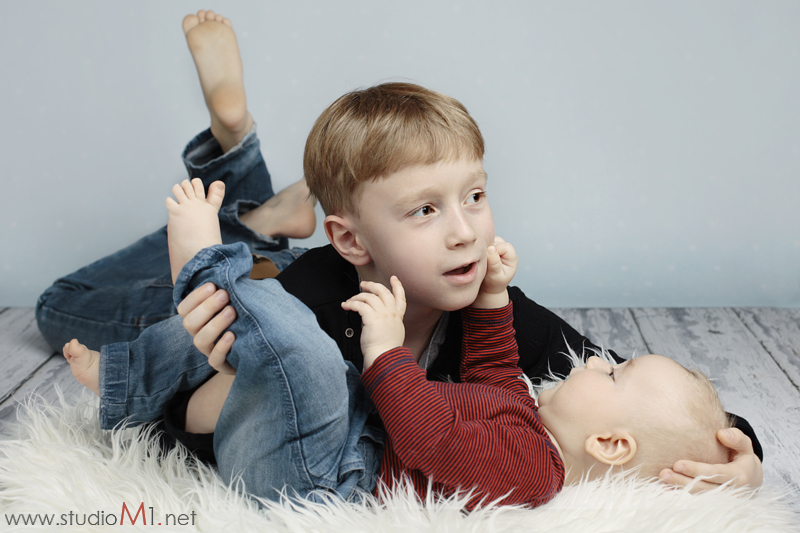 Studio M1; sesja zdjęciowa dzieci rodzeństwo
