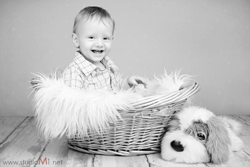 Studio M1;  sesja zdjęciowa dziecka roczek