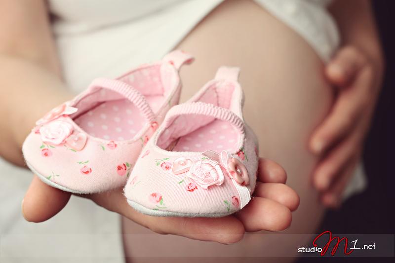 Studio M1; fotografia ciążowa studyjnie